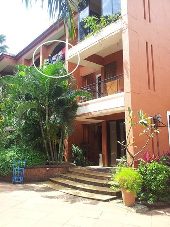 The Baga Marina Beach Resort & Hotel: View of the reception building.