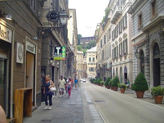 b&b a l'Opera: Via XXV aprile - Genova