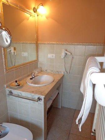 Hotel Boutique Posada Dos Orillas: Baño