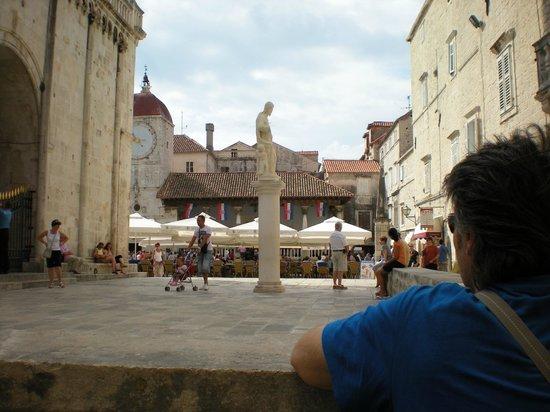 Scorcio della piazza della cattedrale foto di sito for Sito storico