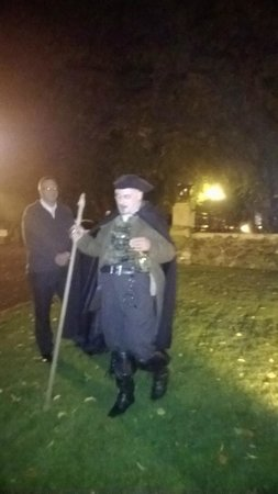 Stirling Ghost Walk: In the graveyard