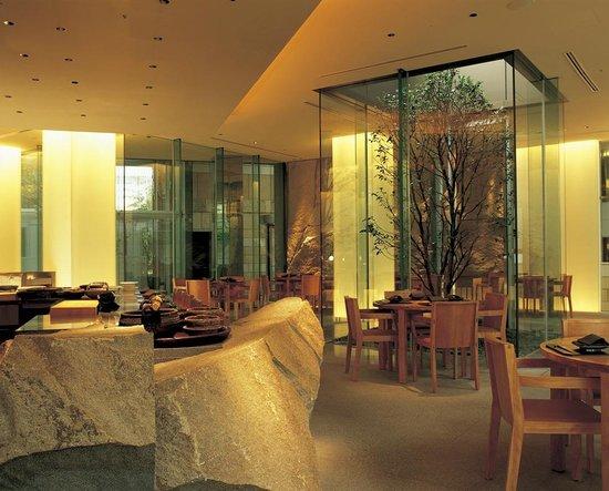 Grand Hyatt Tokyo: 選りすぐりの四季折々の新鮮素材でもてなす、日本料理「旬房」