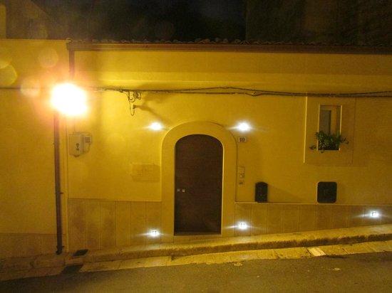 A Casa di Grazia : House / B&B  from outside