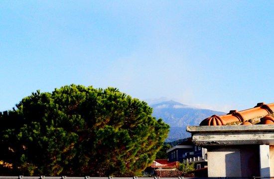 The House of the Poet Etna: Ausblick auf Etna