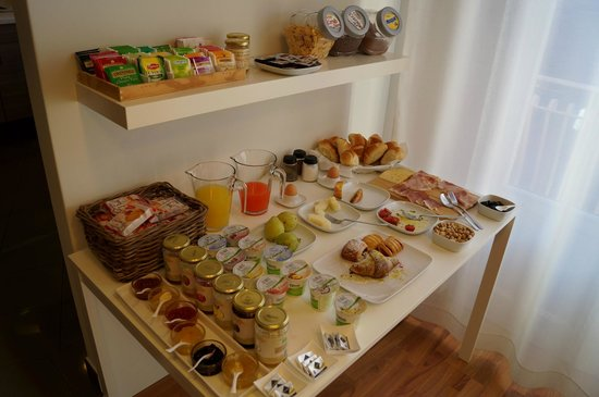 The House of the Poet Etna: Buffet
