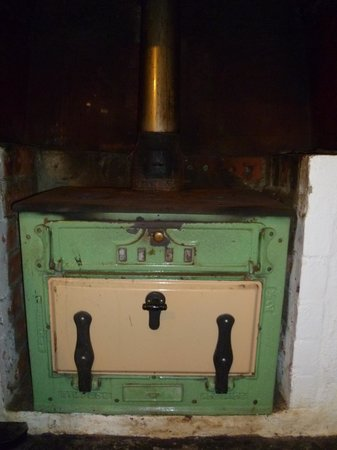 Rocky River Heritage Accommodation : This is not the only oven!