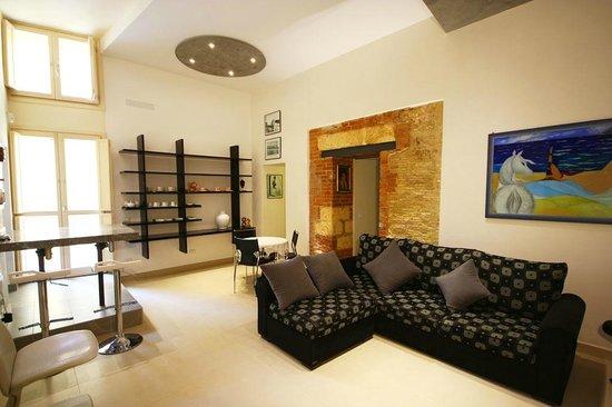 Khalisah: living room