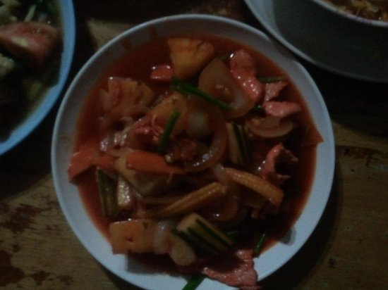 Tukta Thai Food: sweet and sour chicken (with pinapple)