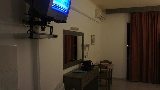 Venezia Resort : телевизор