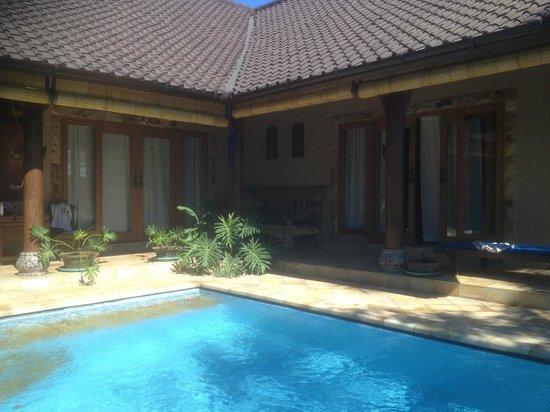 Lovina Beach Houses: Bedrooms 1 & 2 off pool