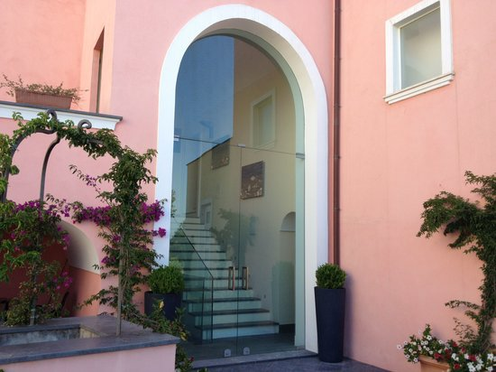 Hotel'a Sciulia: Il cortile interno