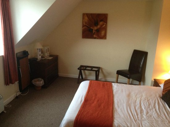 The Countryman Hotel St Ives: spacious bedroom