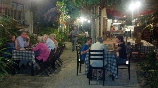 Bon Bon Restaurant : Nice garden