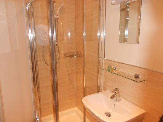 Barton House : Bathroom2