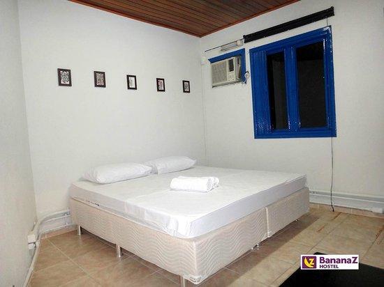 Banana Z Hostel : Apartamento privativo