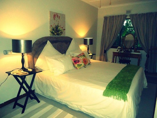 Sylvern B and B : King size beds with shower en suite