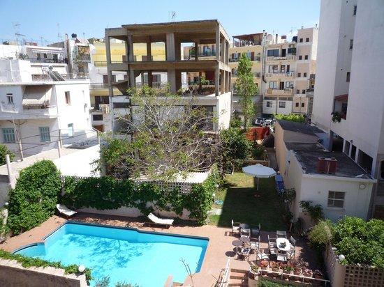 Civitel Akali Hotel: vue sur la piscine depuis le balcon
