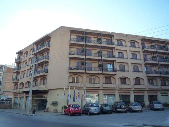 Civitel Akali Hotel: la façade rue