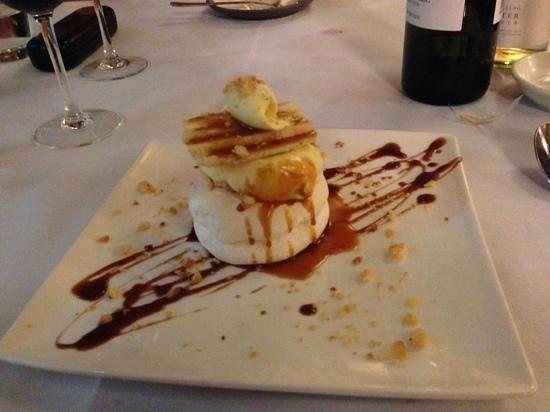 Rare Steakhouse Uptown: Pavlova with banana and caramel.