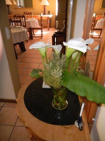 Rest-a-While Lodge : typische Blumendeko