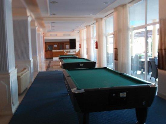 Hotel Atlantis : Around the lobby bar
