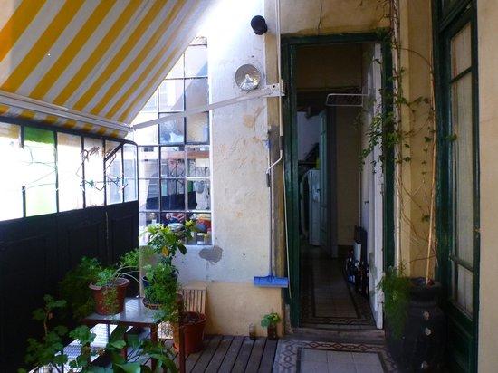 Uenosanso Buenos Bekkan : キッチン・トイレ・シャワーへ