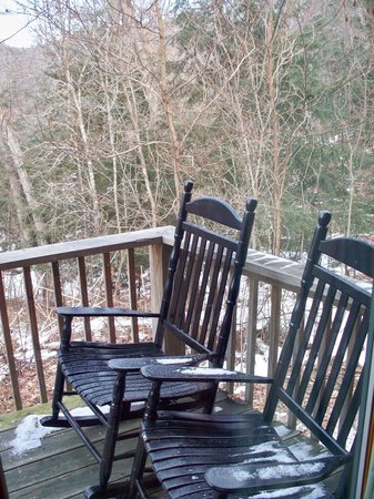 Harvest Moon Cottages: A snowy day at The Chateau
