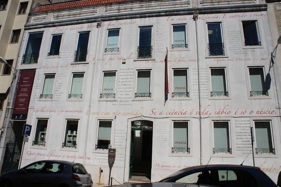 Miss Lisbon - Day Tours: Casa Fernando Pessoa.
