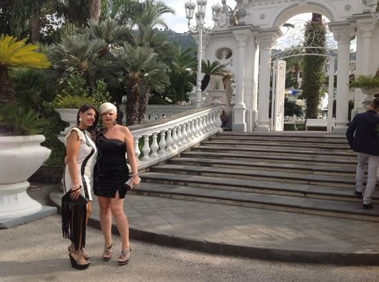 Grand Hotel La Sonrisa: ingresso dal parcheggio