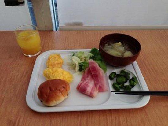 Hotel Stayceed: 豪華でないが美味しい朝食