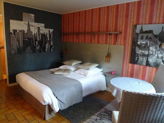 Hôtel Monet : Chambre agréable