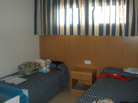 Hotel Neptuno: Habitació de dos camas en apartamento de dos dormitorios