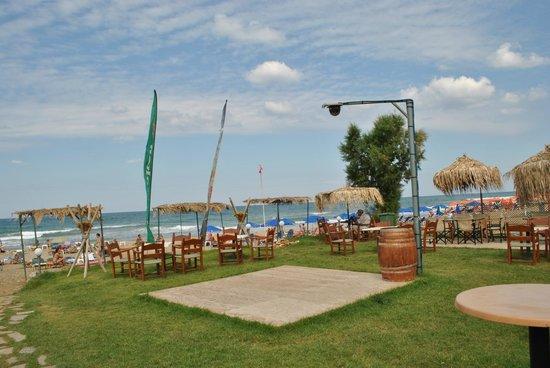 Sandy Beach Hotel : зона бара и дискотеки