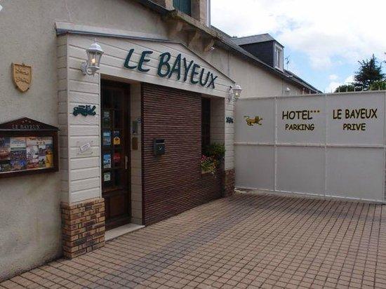 Hotel Le Bayeux: Le Bayeux Entrance