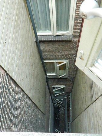 Mozart Hotel: La vista dalla nostra finestra al 4° piano