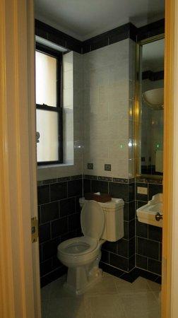 Casablanca Hotel by Library Hotel Collection: Bathroom