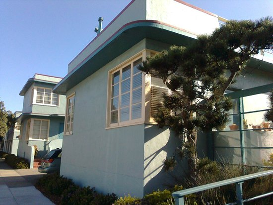 Ocean Park Motel: You won't find this round every corner...