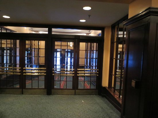 Amway Grand Plaza, Curio Collection by Hilton: Leaded glass on the entryway doors