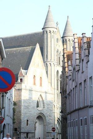 Hotel Het Gheestelic Hof : View down the street