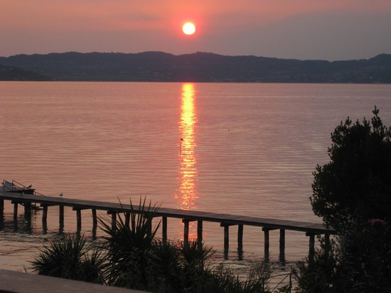 Hotel Continental: Sirmione sunset from our room