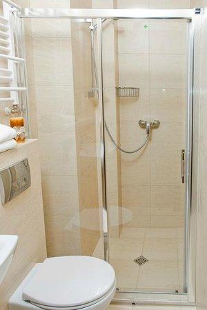 Villa Gardena: Bathroom