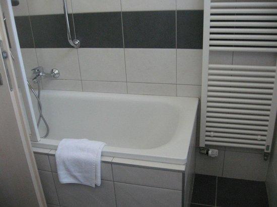 Hotel Ostruvek: vasca