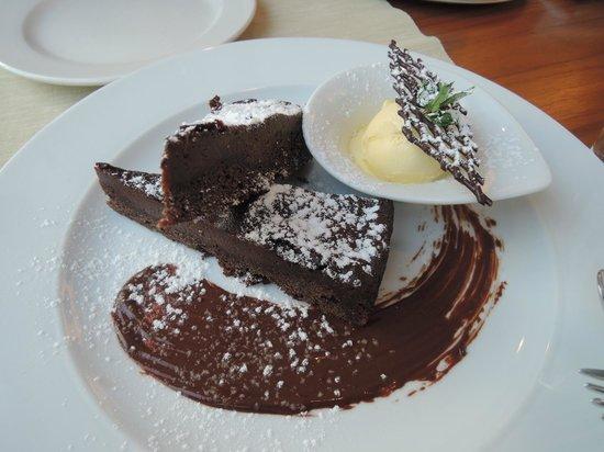 Restaurant Bohem : Nougat cake