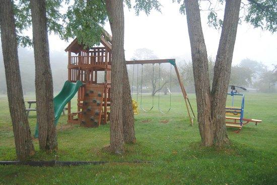 Llangolan Inn & Cottages: parco giochi