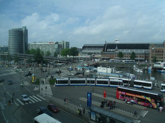 Park Plaza Victoria Amsterdam: another view from our room