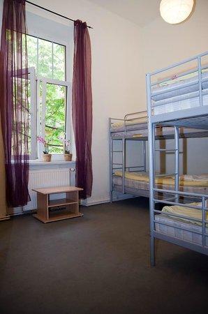 Hostel Yellow: Pokój 4-osobowy/ 4 bedded dorm room