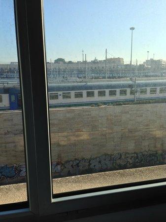 Radisson Blu es. Hotel, Roma : vista stazione
