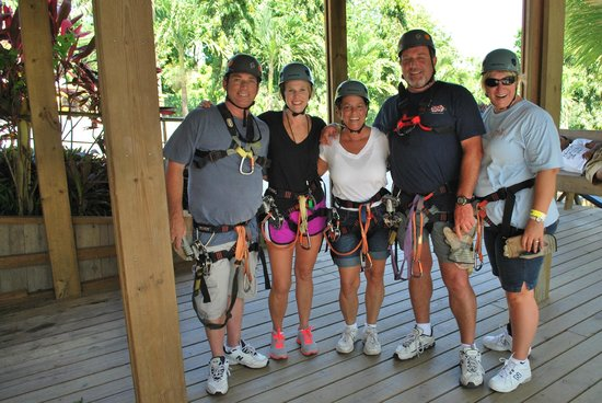 Roatan Canopy Tour : All dressed and ready to zip
