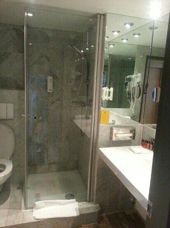 Leonardo Royal Hotel Koln - Am Stadtwald: Badezimmer