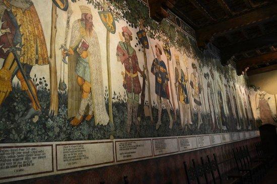 Affreschi del salone Baronale... - Foto di Castello della Manta - Tripadvisor